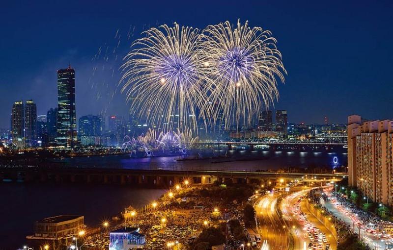 Seoul Fireworks Festival.jpg